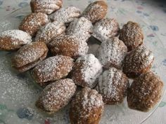 Slovak walnut Madeleine Christmas cookies filled with cream oriesky Dough: 150g ground walnuts, 600g flour, 300g butter, 1-2 eggs, 200g granulated sugar, 2 tablespoons cocoa Cream: 4 eggs, 200g powdered sugar, 1 packet vanilla sugar, 250g butter