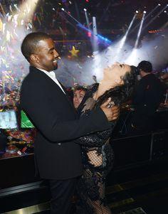 Random Dude Ruins Kim And Kanye's New Years Picture. Best photobomb ever!! Hahaha!!