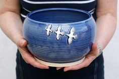 Stoneware pottery serving bowl glazed in in vanilla cream in ocean blue with birds in flight. Handmade Stoneware Pottery by littlewrenpottery on Folksy. This serving bowl is ideal for use as a fruit bowl on your desk - a reminder to go for the fruit in. Advanced Ceramics, Decorative Knobs, Wet Shaving, Air Dry Clay, Natural Brown, Stoneware Clay, Handmade Pottery, Birds In Flight, Sculpture Ideas