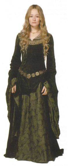 "Lord of the Rings ""Eowyn's green gown, possibly inspired by the ""Lady and Unicorn"" tapestries."""