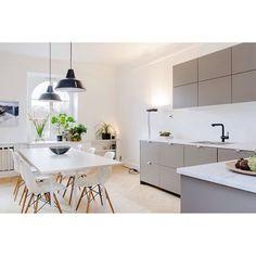 I N S P I R A T I O N☝️NORR MÄLARSTRAND 82✔️#tillsalu #lägenhet #läge #utsikt #stan #stockholm #toppskick #visning #innerstadsspecialisten #innerstan #inredning #inspiration #detaljer #design #arkitektur
