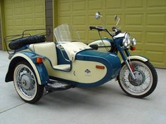 856: 2000 URAL DECO CLASSIC 650 MOTORCYCLE WITH SIDECAR