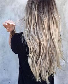 The perfect summer blond long wavy hair