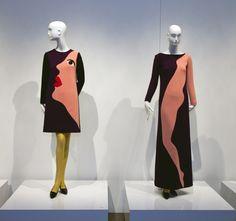 """Das Kleider-Design von #YvesSaintLaurent für die Herbst/Winter-Kollektion 1966 ehrt den Künstler Tom Wesselmann - gezeigt in der Ausstellung """"Yves Saint Laurent – The Retrospective"""" im Denver Art Museum 2012 #artfashion"""