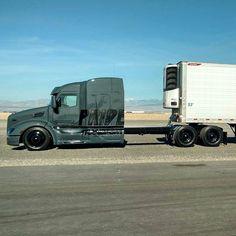 No photo description available. Dually Trucks, Peterbilt Trucks, Big Rig Trucks, Semi Trucks, Cool Trucks, Customised Trucks, Custom Trucks, Peterbilt 386, Heavy Construction Equipment