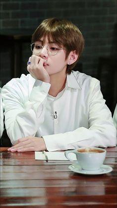 """Please d-don't"" Taehyung . ""You're mine baby boy"" Jungkook . _______ Taehyung was betrayed by his friend . On his way to give his friend the money he owed. Bts Taehyung, Jimin, Bts Bangtan Boy, Bts Boys, Namjoon, Jungkook Smile, Jungkook Funny, Daegu, Yoonmin"