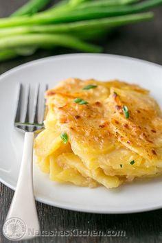 This skinny scalloped potato gratin is creamy and tastes incredibly indulgent! @natashaskitchen