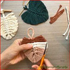 Diy Crafts For Home Decor, Diy Crafts Hacks, Homemade Wall Decorations, Craft Room Decor, Creative Crafts, Craft Tutorials, Rope Crafts, Yarn Crafts, Twine Crafts