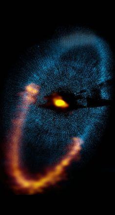 ♥ Dust ring around the star Fomalhaut is seen by ALMA.  | Credit: ALMA (ESO/NAOJ/NRAO). Visible light image: the NASA/ESA Hubble Space Telescope