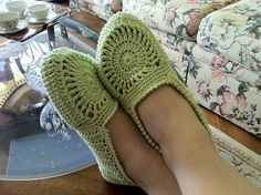 Ravelry: Pistachio Slippers for Women pattern by Maria Bittner