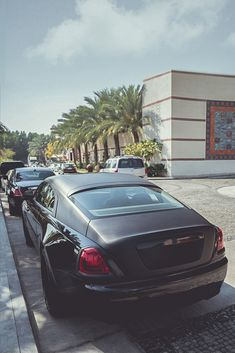 Luxury homes, luxury cars, money and power. Lavish lifestyles to aspire to. Audi, Bmw, Porsche, Rolls Royce Wraith, Rolls Royce Cars, Gt R, Sexy Cars, Hot Cars, World No 1 Car