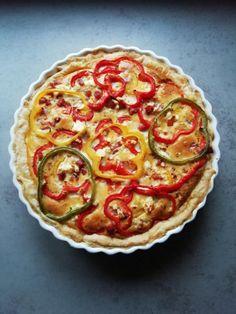 kleurrijke quiche met paprika feta en spekjes My Recipes, Dinner Recipes, Cooking Recipes, Favorite Recipes, Healthy Recipes, Quiche Lorraine, Feta, Savoury Baking, Tasty
