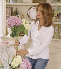 Jaclyn Smith on Charlies Angels at. Jaclyn Smith Wigs, Jaclyn Smith Now, Jaqueline Smith, Medium Hair Styles, Curly Hair Styles, Jacklyn Smith, Female Actresses, Cut And Style, New Hair
