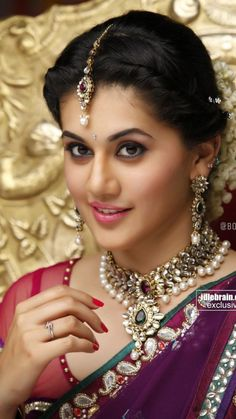 Kamapisachi wallpapers kamapichachi actress wallpapers find this pin and more on indian traditional by smssms altavistaventures Images