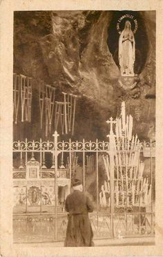 St Bernadette Of Lourdes, Santa Bernadette, Catholic Prayers, Catholic Art, Roman Catholic, Blessed Mother Mary, Blessed Virgin Mary, Lourdes Grotto, La Salette