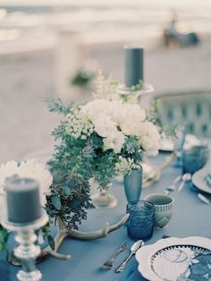 blue-wedding-trend-bride