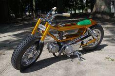 Gold Honda Motra custom Custom Motorcycles, Custom Bikes, Cars And Motorcycles, Japan Tourism, Bike Pic, Honda Cub, Japanese Motorcycle, Small Engine, Motorcycle Design