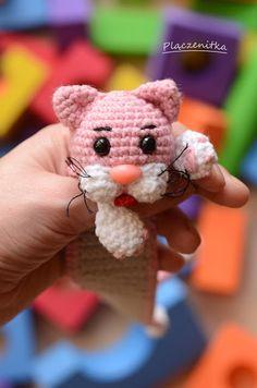 46 Ideas Crochet Cat Bookmark Pattern Hats For 2019 Marque-pages Au Crochet, Gato Crochet, Crochet Mittens, Crochet Books, Crochet Beanie, Baby Blanket Crochet, Crochet For Kids, Free Crochet, Crochet Baby
