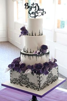 18 Inspiring Ideas For Black And White Wedding Cakes ❤ See more: http://www.weddingforward.com/black-and-white-wedding-cakes/ #wedding #cakes