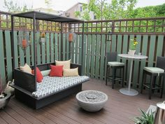 """Outdoor Daybeds Let You Enjoy Summer In Comfort And Style (at the end of this article there is a link to another one: """"37 Outdoor Beds That Offer Pleasure, Comfort and Style"""")"""