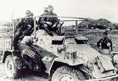 Un équipage sur son (Fu) encore une fois sur le front Est. Military Photos, Military History, Mg 34, Armored Vehicles, Armored Car, North African Campaign, Super 4, Germany Ww2, Afrika Korps