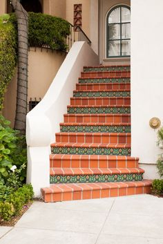 Spanish Colonial Staircase in San Francisco Tiled Staircase, Tile Stairs, Staircase Design, Colonial Style Homes, Spanish Style Homes, Spanish House, Spanish Colonial Decor, Spanish Tile, Outside Stairs