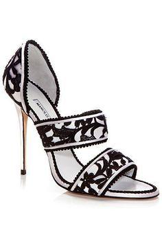 Manolo Blahnik Black & White Sandals #manoloblahniksandals #sandalsheelsblack
