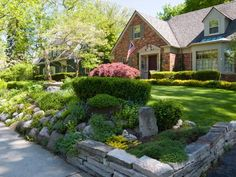 HGTV.com experts explain what to look for in a yard before you buy a new home.
