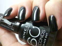 GLITTER ON MY NAILS: RIMMEL'S BLACK OUT @rimmellondonnlb