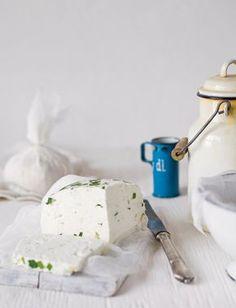 Legyél sajtmester: receptek házi sajthoz Croatian Recipes, Hungarian Recipes, Real Food Recipes, Vegetarian Recipes, Hungarian Cuisine, Homemade Cheese, Little Kitchen, Sweet And Salty, Creative Food