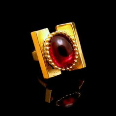 CROWN TRIFARI Vintage Rare Red Glass Stone by MyClassicJewelry