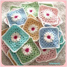 All the squares are finished now it's time to figure out how to place them .  Nu är alla rutorna färdiga nu ska jag bara räkna ut hur jag ska placera dem . #crochetaddict#crochetaddicted#crochetobsessed#crochet#crocheting#crochetlove#crocheteveryday#crochetersofinstagram#craftersofinstagram#craft#crochetblanket#grannysquare#grannysquares#daisygrannysquare#madewithlove#virkstagram#virka#virkad#virkar#virkat#virkgalen#mormorsruta#mormorsrutor#babyblanket#bebisfilt#prästkragerutor by…