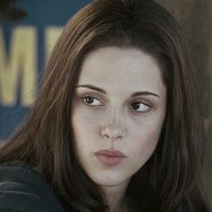 Imagine bella swan, eclipse, and edward cullen Twilight Saga Series, Twilight Cast, Twilight Movie, Bella Cullen, Edward Bella, Edward Cullen, Bella Swan Aesthetic, Skinny Face, Kristen Stewart Twilight