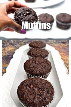 Keto Low-Carb Double Chocolate Chip Muffins (Gluten-Free) is a quick and easy almond flour recipe. This ketogenic dessert does not use coconut flour and is freezer-friendly. This recipe is kid-friendl Low Carb Pumpkin Cheesecake, Lemon Cheesecake Bars, Low Carb Cupcakes, Double Chocolate Chip Muffins, Sugar Free Chocolate Chips, Chocolate Protein Muffins, Almond Flour Muffins, Almond Flour Recipes, Almond Flour Desserts