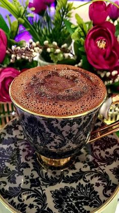 Lots Of Coffee Facts Tips And Tricks 5 – Coffee Coffee Vs Tea, Coffee Cafe, Coffee Drinks, Coffee Tin, Starbucks Coffee, Good Morning Coffee, Coffee Break, Glace Fruit, Turkish Coffee Cups