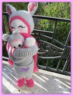 KIRA the kangaroo made by Siegi / crochet pattern by lalylala
