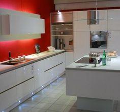 Angebot: Musterküche Schmidt Küche STRASS Grifflos Hochglanz weiss