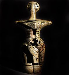 Bird Tribe Women Cucuteni-Trypillian culture, also known as Cucuteni culture (from Romanian), Trypillian culture (from Ukrainian) Neolithic 4800 to 3000 BC, Carpathian Mountains to the Dniester and Dnieper Venus, Ancient Goddesses, Archaeological Discoveries, Mother Goddess, Mystery Of History, Soul Art, Effigy, Culture, Ancient Artifacts