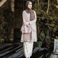 Image may contain: 1 person, standing Kebaya Modern Hijab, Kebaya Hijab, Kebaya Dress, Kebaya Brokat, Dress Brokat Muslim, Kebaya Muslim, Muslim Fashion, Hijab Fashion, Fashion Outfits