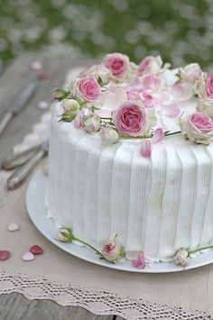 Lovely Vintage rose theme cake <3