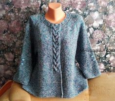 Wie man eine Jacke mit Stricknadeln strickt - Вязание # crochet poncho kids for girls Knit Cardigan Pattern, Poncho Knitting Patterns, Crochet Cardigan, Knitting Socks, Knitting Designs, Knitting Stitches, Knit Patterns, Knit Crochet, Knitting Needles