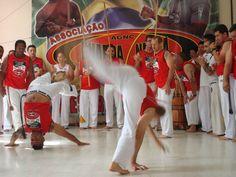 """O """"Encontro Anual da Associação Guarda Negra de Capoeira"""" (AGNC) acontece entre os dias 6 e 8 de dezembro, na Casa de Cultura Mario Quintana (CCMQ), na Esquina Democrática, no Ginásio Municipal Lupi Martins e na D'Fest Produções. A entrada é Catraca Livre."""
