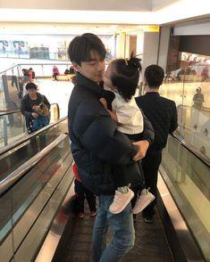 Ulzzang Kids, Korean Boys Ulzzang, Ulzzang Couple, Cute Asian Babies, Korean Babies, Cute Family, Family Goals, Couple With Baby, Song Wei Long