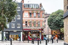 Crown and Anchor Pub, London