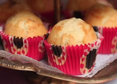 Vanilkové muffiny plnené pudingom Breakfast, Cupcake, Nova, Morning Coffee, Cupcakes, Cupcake Cakes, Cup Cakes, Muffin