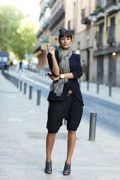 cargo shorts w/ a blazer & booties.  ultra casual & chic.