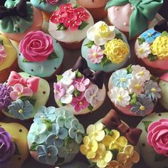 Copyright(c) micarina All rights reserved. Garden Cupcakes, Easter Cupcakes, Flower Cupcakes, Wedding Cupcakes, Cupcake Cookies, Strawberry Cupcakes, Christmas Cupcakes, Pretty Cupcakes, Beautiful Cupcakes