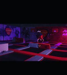 Sinds vandaag hebben wij 2 nieuwe obstakels in onze jump! Kom jij ze uittesten?  #jumpxl #jumpxlhaarlemmermeer #fun #nieuwvennep #fandango #tricks