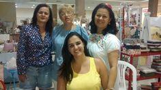 Lara,Néa Gusmão,Alice e Lucinha,presentes na 3° mostra de artesanato no Shopping Conquista Sul.