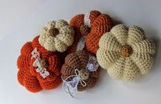 Krissys Wonders : Crocheted Pumpkins!! I love pumpkins!!! Free Pattern!